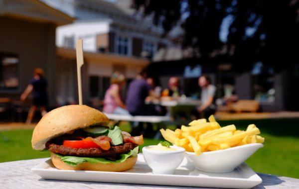 Eten bij Deventer Buitensociëteit & Bowling